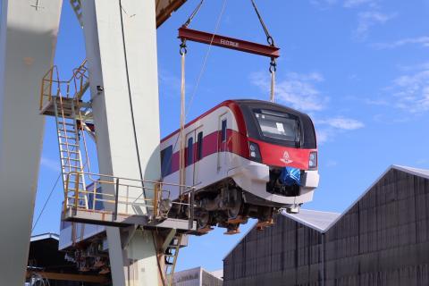 日立がタイ国鉄バンコクレッドライン向け新型鉄道車両の出荷を開始