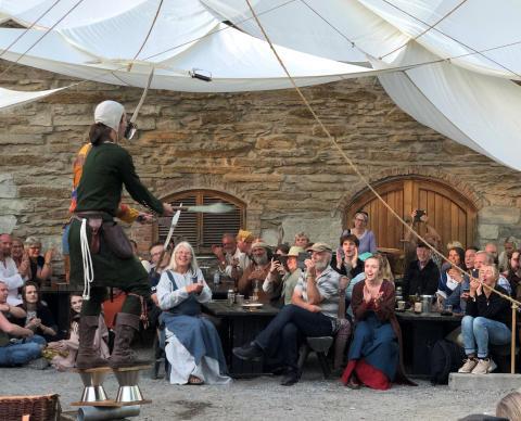 Sjonglør på Hamar middelalderfestival