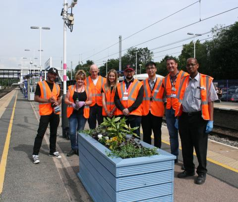 Harpenden residents and Govia Thameslink Railway staff get planting