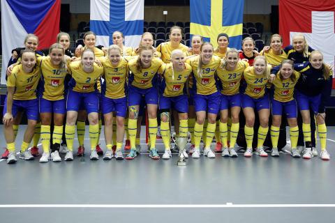Fyra debutanter i damernas trupp till Euro Floorball Tour i Nurmijärvi