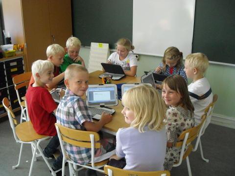 Kommunpolitiker i Ale lyssnar på barn i förskolan