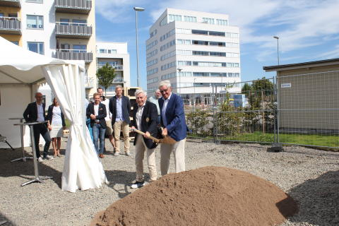 Ett lyckat spadtag för bostäder i Rydebäck