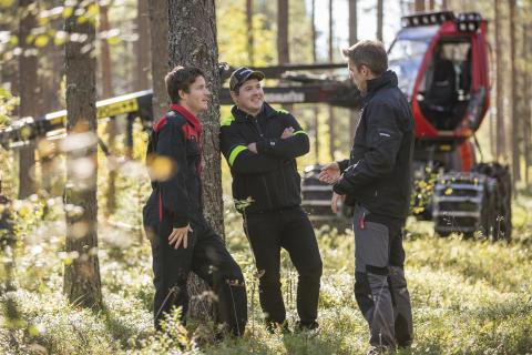 Skogsmaskinsjätte utökar servicenätet i södra Sverige