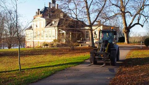 Tre veckor på el - Region Uppsala testar ny hjullastare