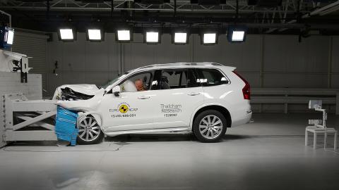 Euro NCAP crash testing - Volvo XC90