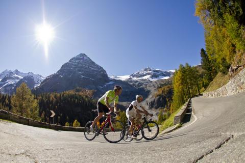 Mit dem Rennrad auf den Pass