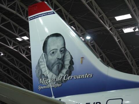 Cervantes ya decora la cola de un avión de Norwegian