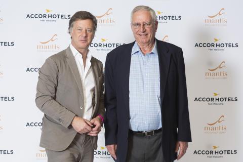 Sébastien Bazin, Chairman und CEO AccorHotels, und Adrian Gardiner, Gründer und Chairman der Mantis-Gruppe