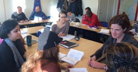 Anna Kinberg Batra besöker Hermods SFI i Solna