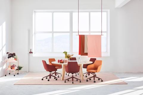 MATERIA_Sumo table_Pilot conference chair_Interior 1