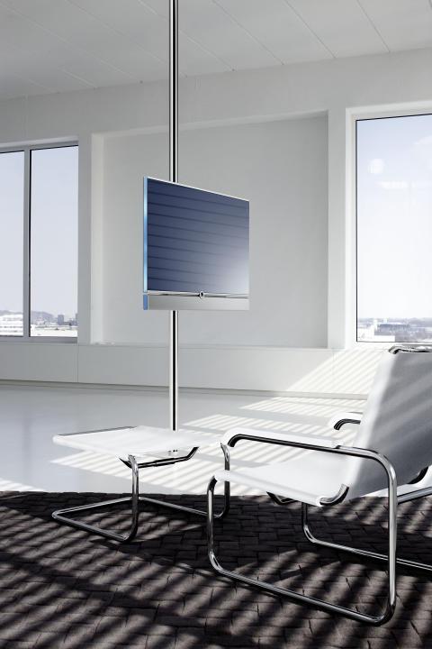 Loewe Compose tv på screen lift