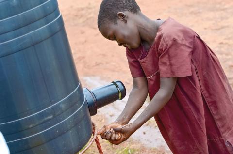 Biolan lähti UNICEFin kelkassa Ugandaan