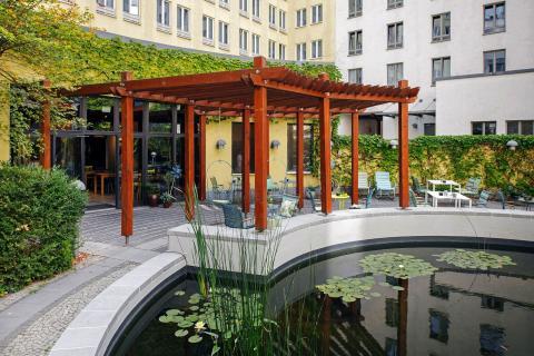Vienna House Easy Leipzig - Garten im Innenhof