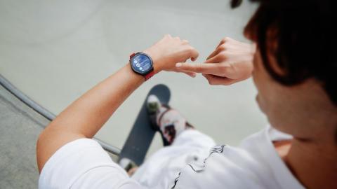 Huawei Watch GT2e_creative shots_Remote Shutter_EN_final20200223