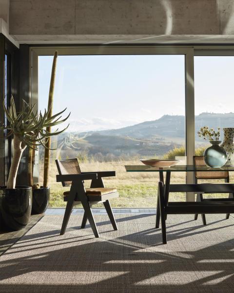 Cassina hyllar modernismens mästare Pierre Jeanneret med ny lansering