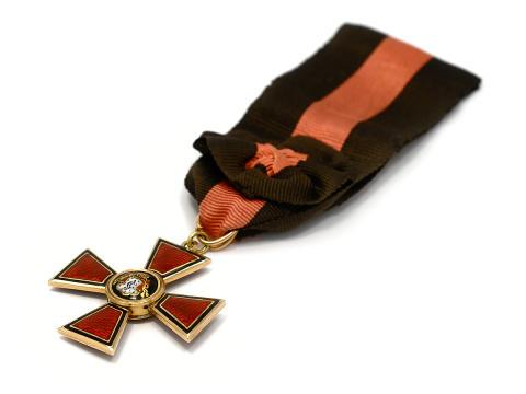 Myntauktionen 10/2, nr 127, Medalj IV graden, 14K guld, S:t Vladimir Orden.
