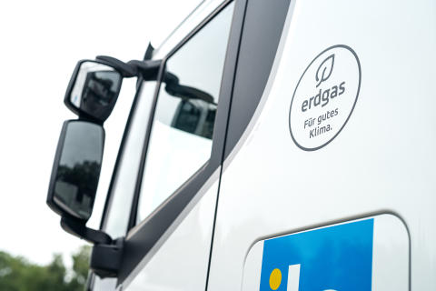 Neuzulassungen: Lkw und Zugmaschinen mit Erdgasantrieb weiter im Trend
