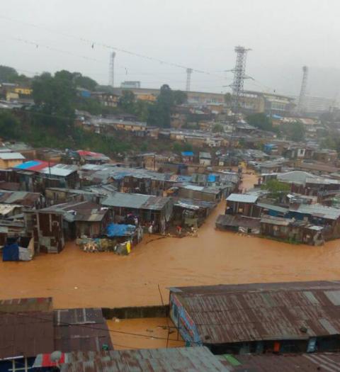 Ødeleggelser av flom og jordskred i Freetown, Sierra Leone, 14. august 17