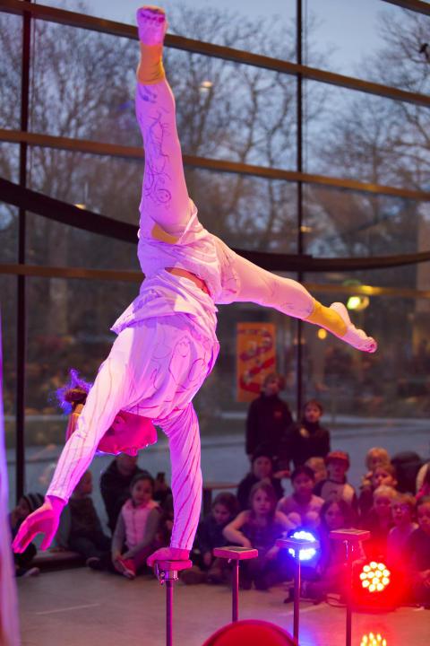 Show med akrobatik!