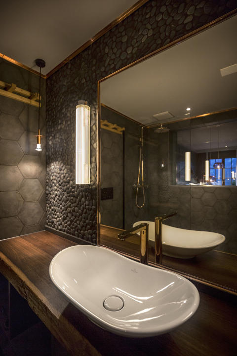 Bathroom at HUUS Hotel Gstaad, design by Stylt Trampoli