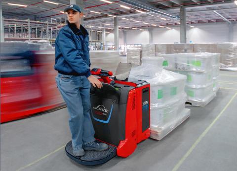 Lindetruck utrustad med de energieffektiva och underhållsfria litium-jon-batterierna