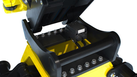 Automatiska snabbfästessystemet, EC-Oil, blir kostnadsfri standard på Engcons redskapsfästen, tiltrotatorer och hydrauliska verktyg