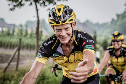 Falck stöttar Team Rynkeby's cykling mot cancer