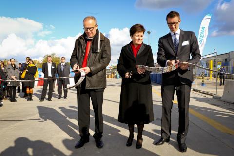 Sveriges ambassadör invigde Polens första återvinningscentral