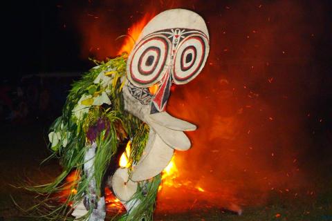 Fire dance, Rabaul, Papua Ny-Guinea