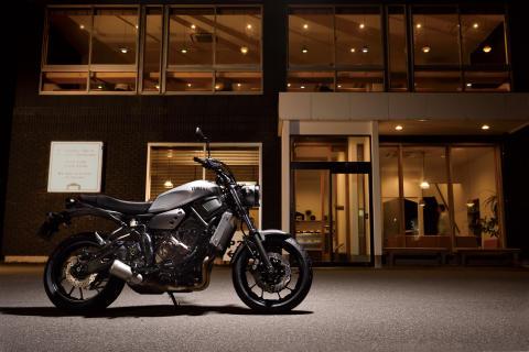 """Neo Retro""ロードスポーツ「XSR700 ABS」を新発売 ""オーセンティック""なスタイリングに688cm3水冷2気筒エンジンを搭載"