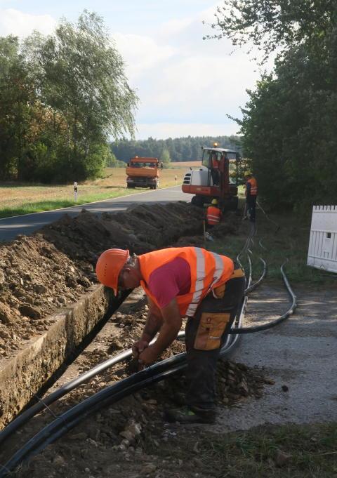 Neue Kabelleitungen im Bereich Blechmühle.