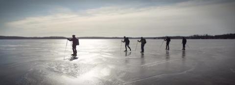 Isbanan på Nydalasjön blir en julklapp till Umeåborna