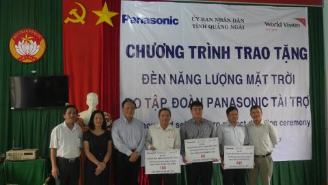 Panasonic Donates 1,200 Solar Lanterns to Central Vietnam