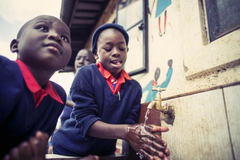 Kenya WE LOVE WASHING HANDS by Paul Ripke