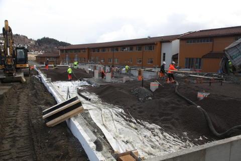 NYTT SKOLEBYGG: På Stjørdal i Nord-Trøndelag bygges et 1600 m2 stort tilbygg på en av kommunens fire barneskoler. Leca Lettklinker var et naturlig valg i fundamentet.