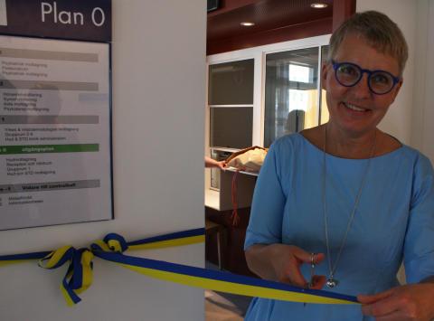Verksamhetsområdeschef Jennie Liling-Ståhl klippte band vid invigningen
