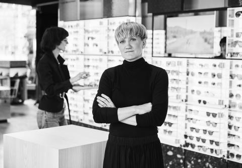 Karolina Nyström och Marina Kereklidou i Synsamns nya flag ship store på Norrmalmstorg i Stockholm