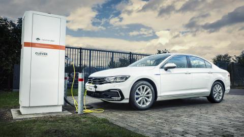 Ny Passat GTE – længere rækkevidde på strøm og priser fra 412.495 kr.