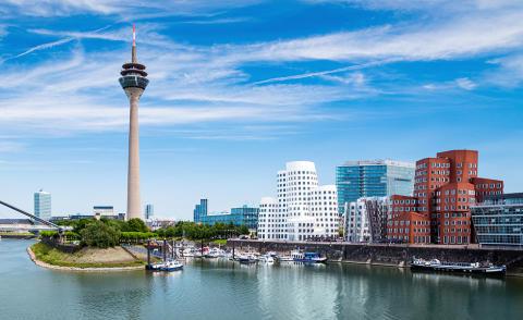 WasserFest am Rhein: Die Apontas FLAVE&WAVE Lounge entert Düsseldorf