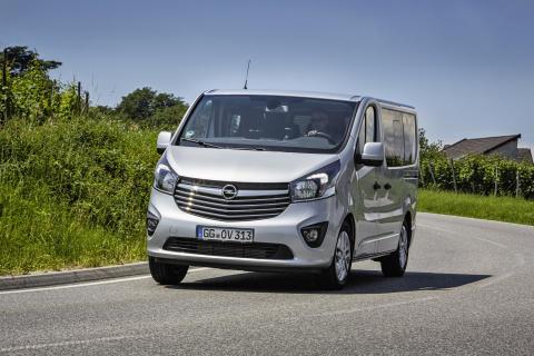 Opel-Vivaro-Combi-Plus-303406