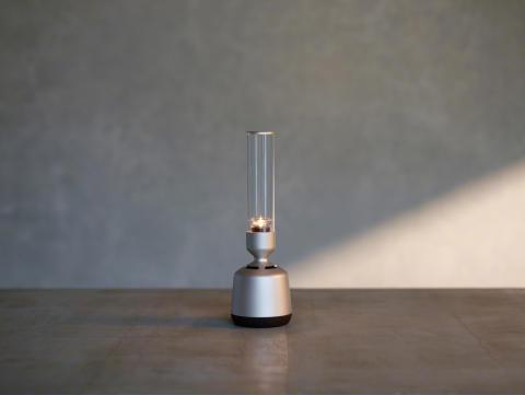 Un son cristallin haute résolution  à l'unisson avec son intérieur :  voici la nouvelle enceinte en verre signée Sony
