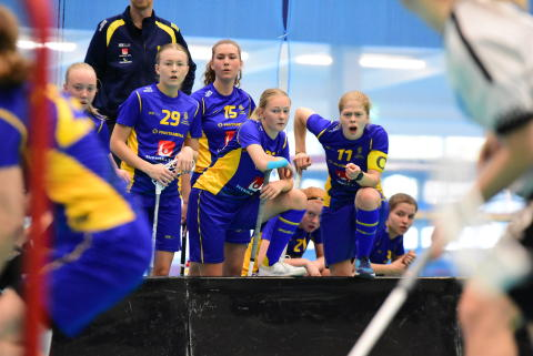 Säsongens första trupp för U19-damlandslaget med VM i sikte