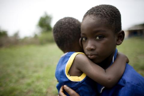 Barn hårt drabbade i ebolaepidemin
