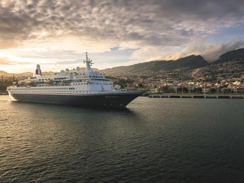 Fred. Olsen Cruise Lines' FREE 'all-inclusive' drinks upgrade on Summer 2017 sailings