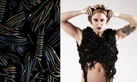 Klädeskonst i lakrits på Lakritsfestivalen 2014