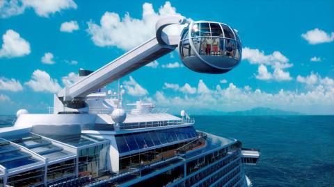 Kryssa från New York till Karibien med världens mest högteknologiska fartyg