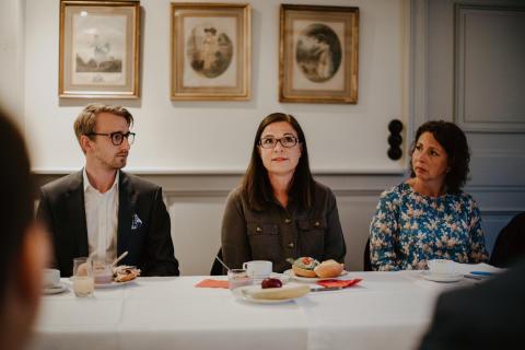 Hjärnfonden och Friends träffar politiska ledamöter om skolan