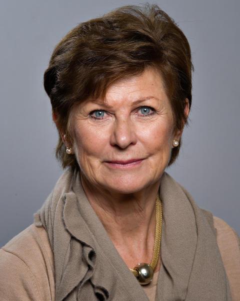 Madelaine Erlandsson (M)