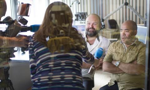 Atle Antonsen og Johan Golden lager radio for døve
