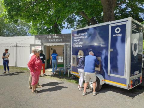 Bluewater water stations on hand during ÅF Offshore Race, keeping folks hydrated with pure water and battling need for single-use plastic bottles